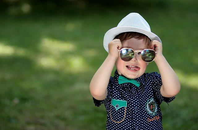 7 formas de arruinar tus gafas de sol este verano.